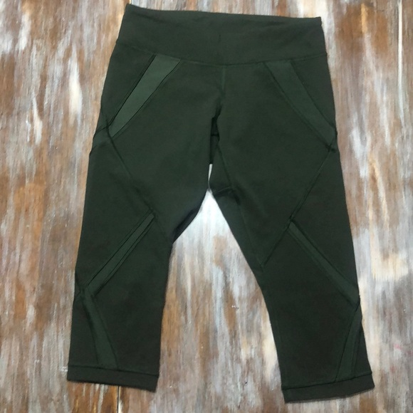 Lululemon Crop with mesh detail size 4 green